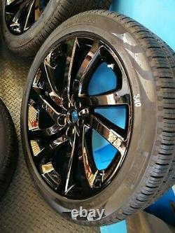 Noir Brillant Land Rover Discovery 5 5011 22 Roues Alliage Pirelli 285 40